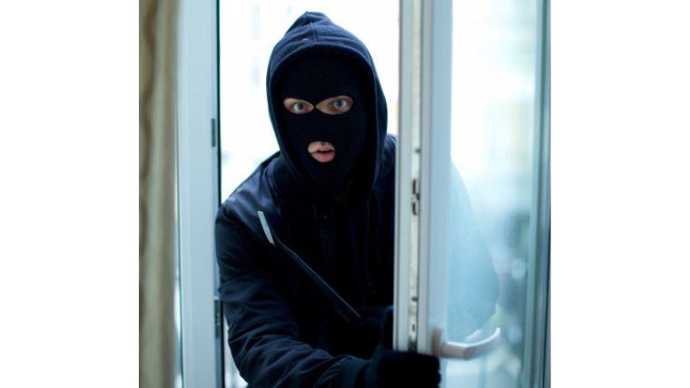 【まさかのこれは大盲点!】 ルーバー窓に防犯対策してないでしょ?